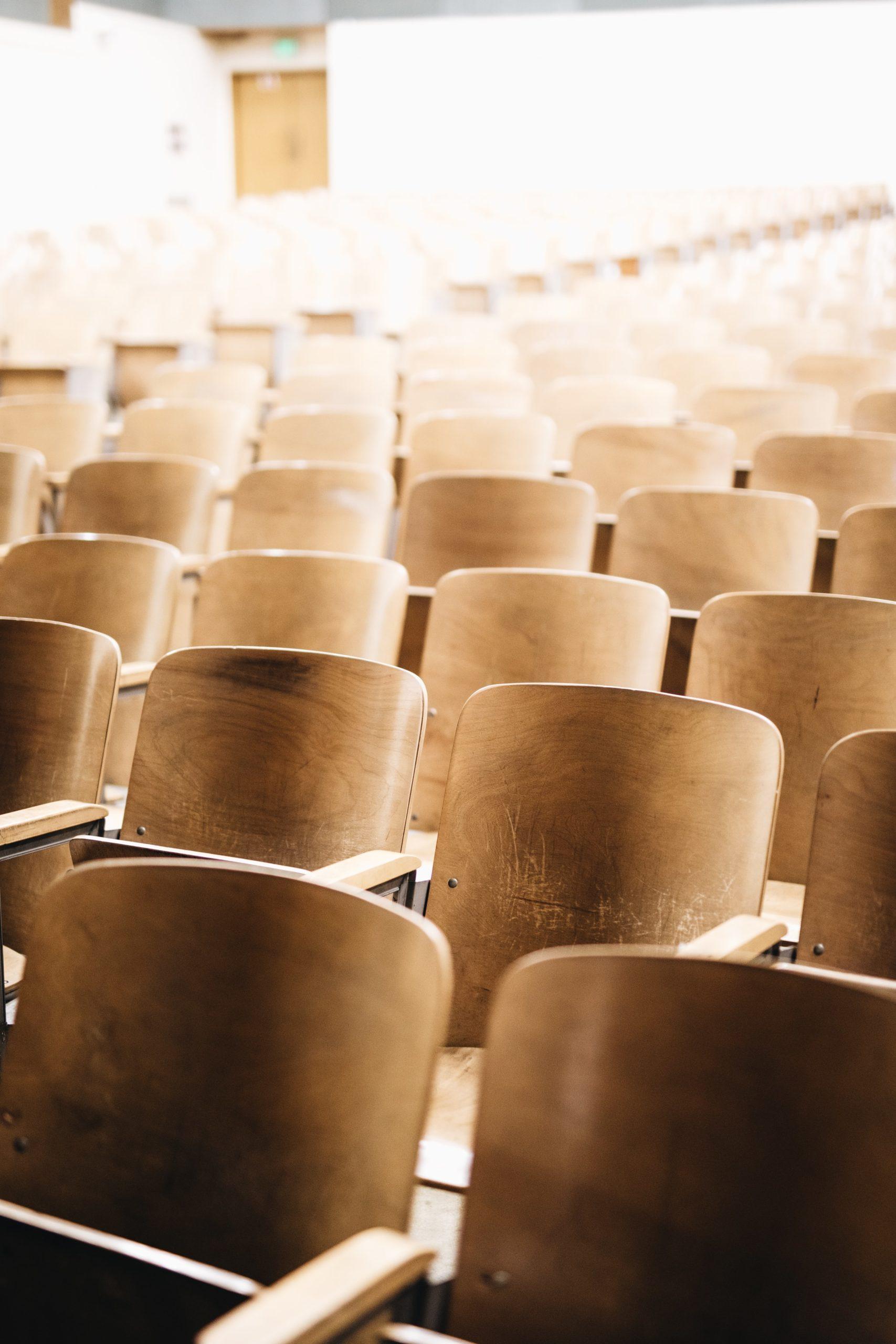 Ich fordere die Schließung der Schulen und anderer öffentlicher Einrichtungen zum Schutz vor Corona